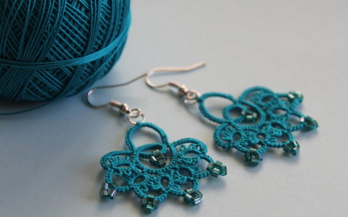 Handmade turquoise earrings – littleblacklace