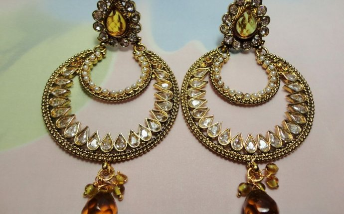 INDIAN BOLLYWOOD CHANDELIER EARRINGS SET KUNDAN CZ GOLD TONE