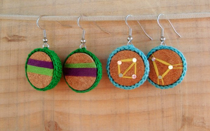 Infinity blend: How to make handmade earrings with wine cork and